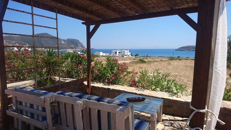 Antiparos luxury apartment 1, holiday rental in Agios Georgios