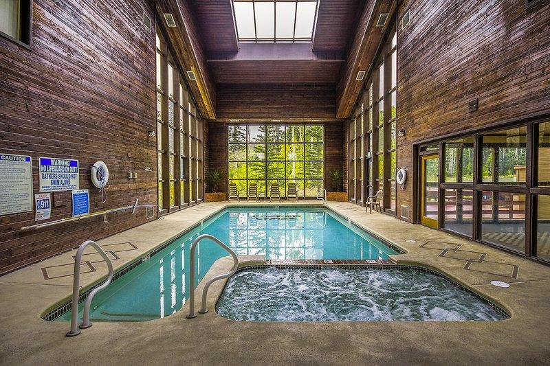 Condo 104, Wifi, Community Pool, Jacuzzi, Lounge, Fireplace, Laundry, location de vacances à Parowan