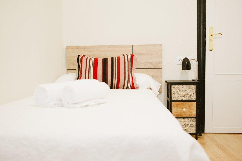 Habitación Individual Atractiva, alquiler de vacaciones en Parada de Arriba