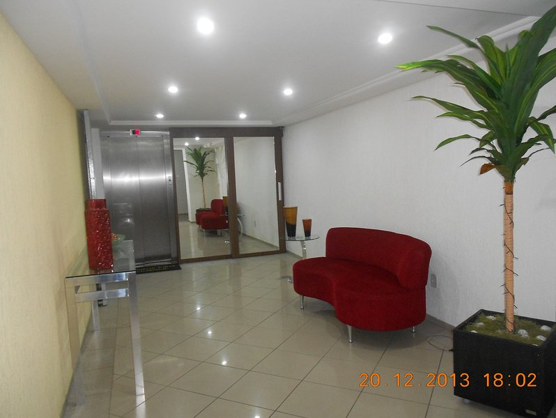 LUXUOSO QUARTO E SALA MOBILIADO, holiday rental in Recife