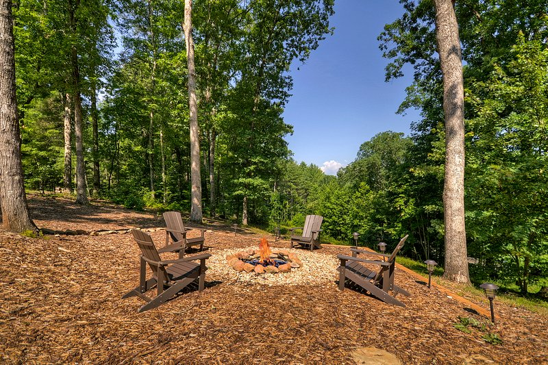 Gather around the fire pit for great conversation and s'mores!