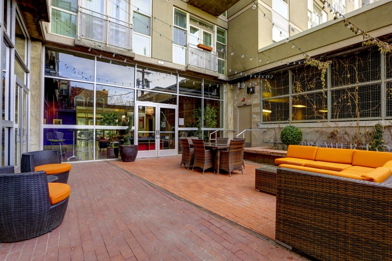 Stay Alfred Premier Lofts - Community Patio View 2