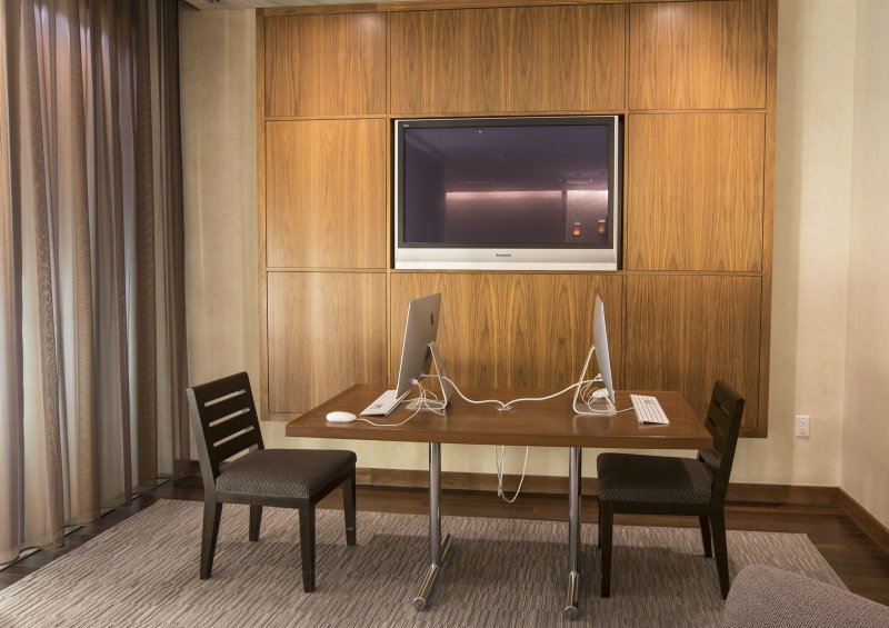 Stay Alfred Boston Vacation Rental Business Center