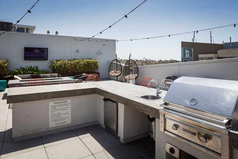 Stay Alfred San Diego Vacation Rentals Community BBQ