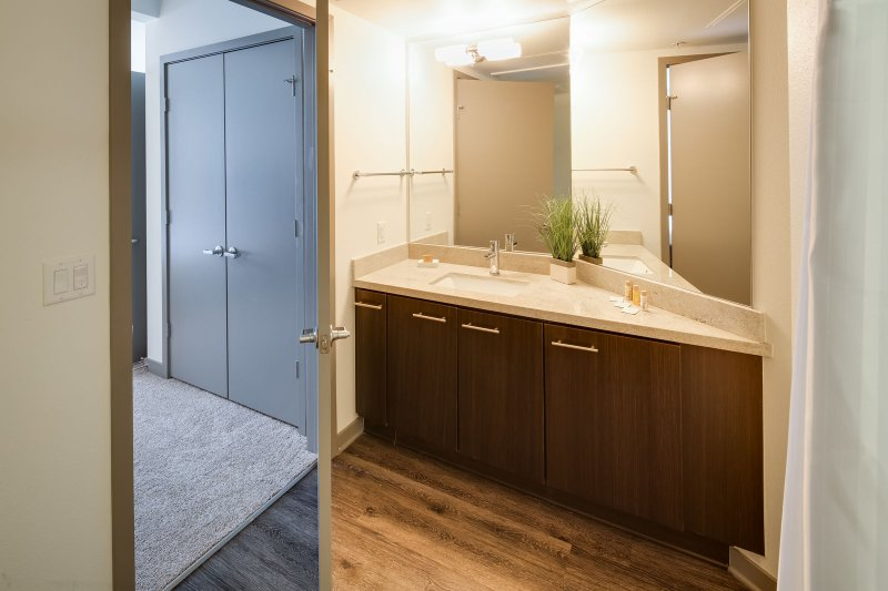 Stay Alfred San Diego Vacation Rentals Bathroom