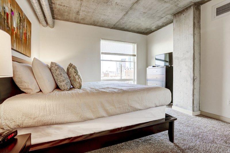 Blijf Alfred Premier Lofts - Master Bedroom View 2