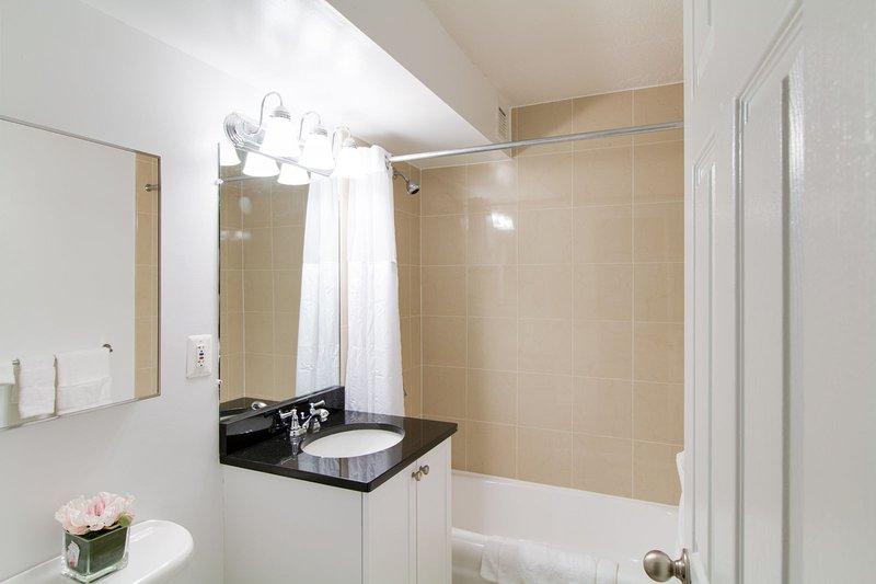 Cuarto de baño Stay Alfred Boston Vacation Rental