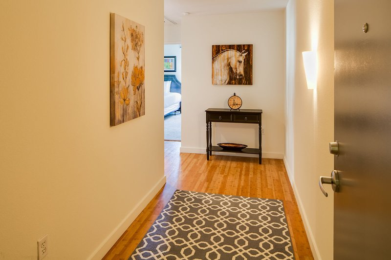 Stay Alfred San Diego Vacation Rentals Hallway