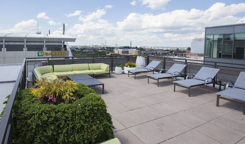Stay Alfred Boston Vacation Rental Patio sul tetto