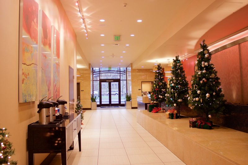 Stay Alfred Portland Vacation Rentals Building Lobby