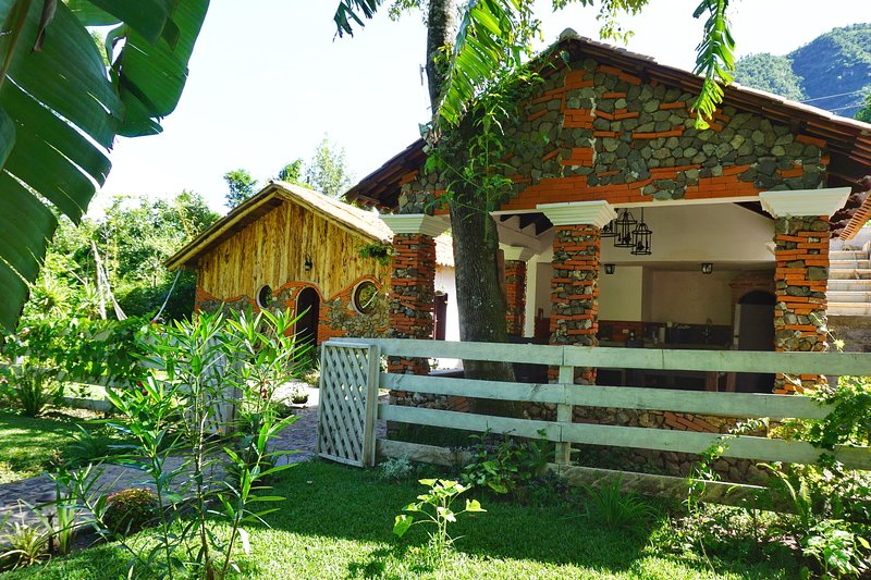 Cabañas de Tzununa, vacation rental in Lake Atitlan