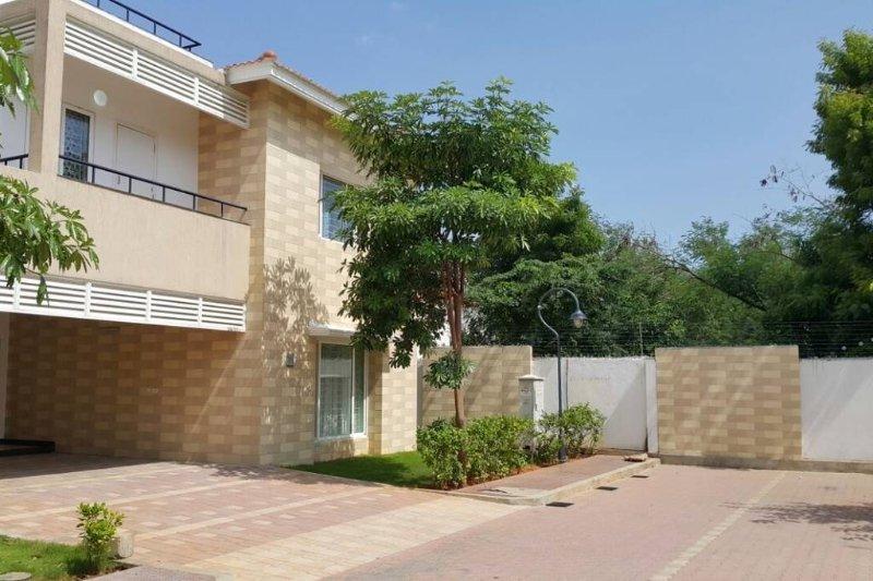 Luxurious 5 Bedroom Villa in Pudupakkam, Chennai., holiday rental in Perungudi