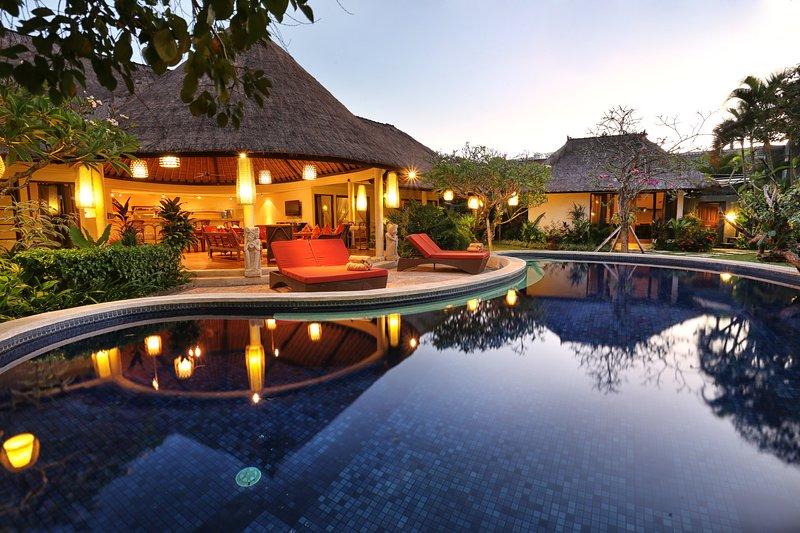 La villa au moment du soir.