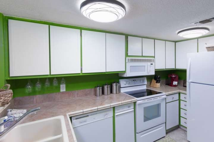 Light and bright kitchen for all your cooking needs