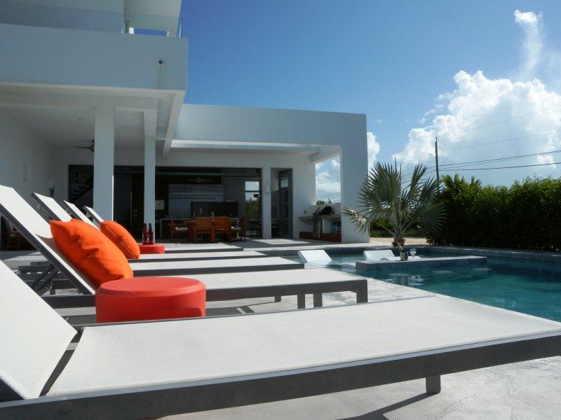 Sin presionante para camas de sol aquí. Su propia piscina, en sus propios términos