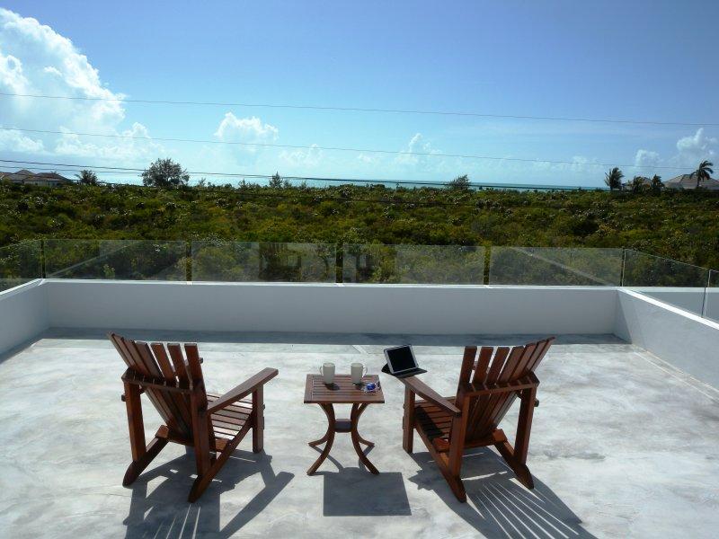En la terraza, con su café: ¡Qué gran manera de empezar el día