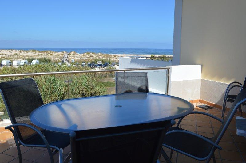 5 Star Townhouse at Praia D'El Rey, vacation rental in Amoreira
