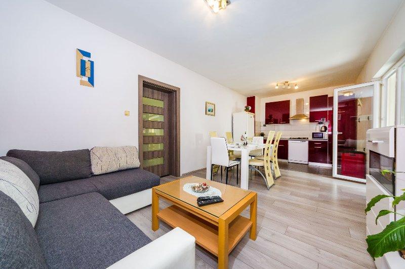Apartment Rustica Zadar A3+2 with jacuzzi