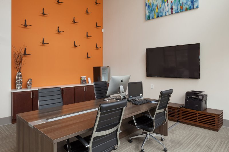 Stay Alfred on Ponce De Leon Avenue Business Lounge. Get your work done in style.