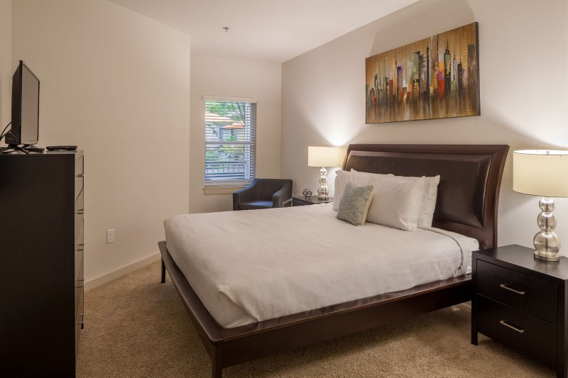 Stay Alfred on Ponce De Leon Avenue Bedroom with King bed