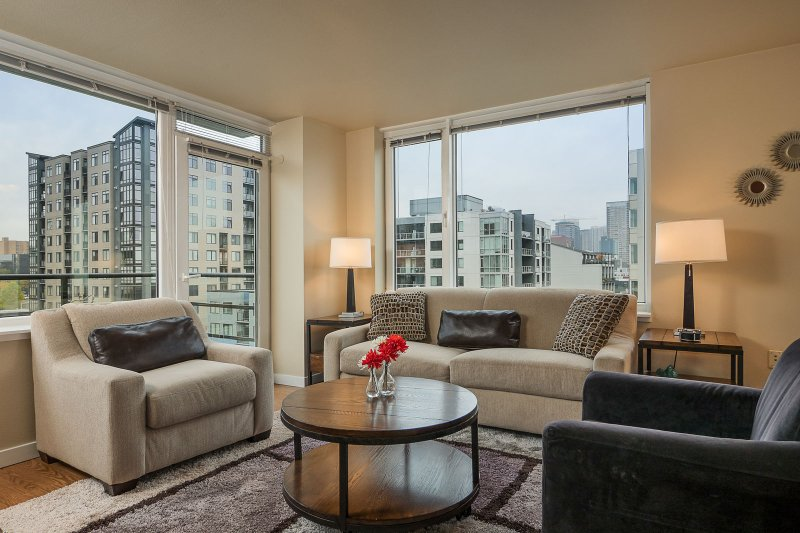 Stay Alfred Seattle Vacation Rentals Salon