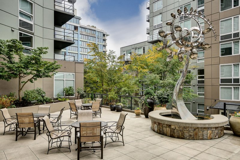 Stay Alfred Seattle Vacation Rentals Community Terrace