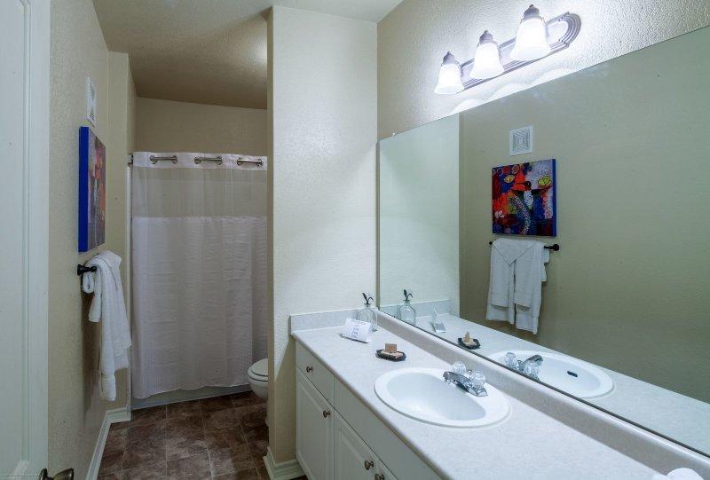 Cuarto de baño Stay Alfred Memphis Vacation Rental