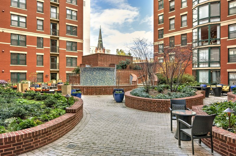 Stay Alfred Washington D.C. Vacation Rentals Community Terrace