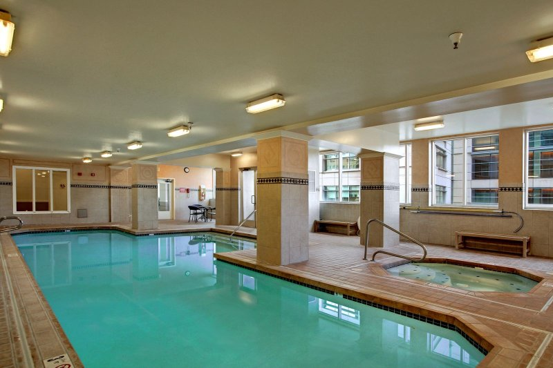 Stay Alfred Seattle Vacation Rentals Community Pool