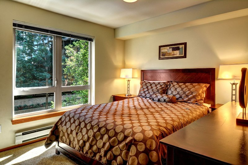 Stay Alfred Seattle Vacation Rentals Bedroom
