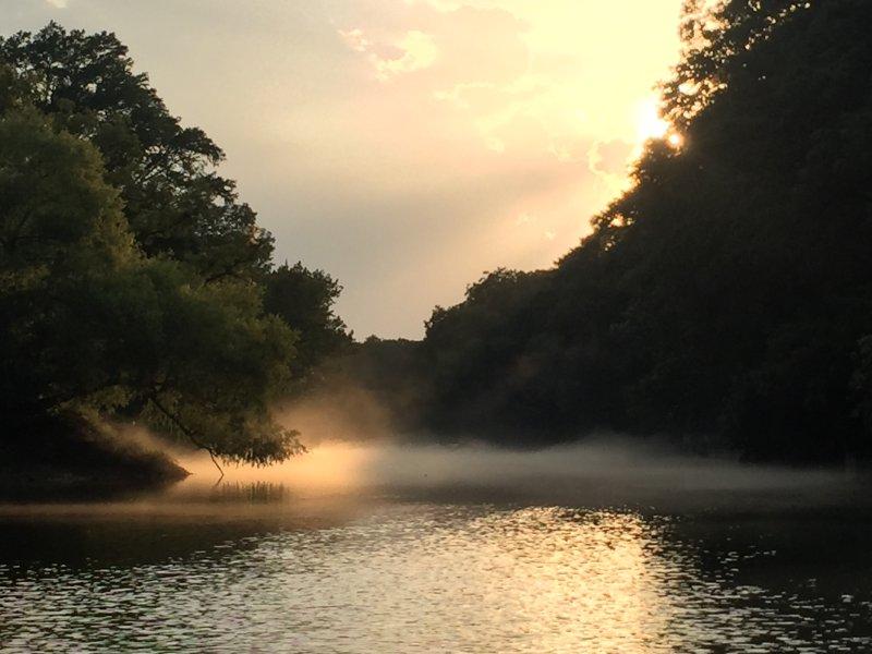 magníficas puestas de sol se puede ver en el agua del río Verde Retiro.