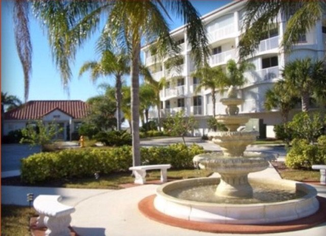 Cape Canaveral Condo with Beautiful Sunset Views and Rocket Launches, alquiler de vacaciones en Port Canaveral