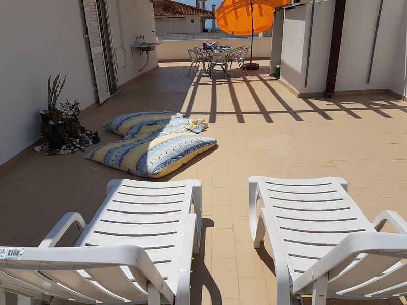 Excelente Apartamento para férias, aluguéis de temporada em Armação de Pêra
