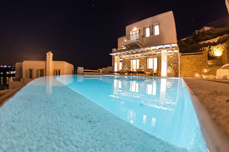 Carpe Diem Villa II with Private Infinity Pool, holiday rental in Ornos