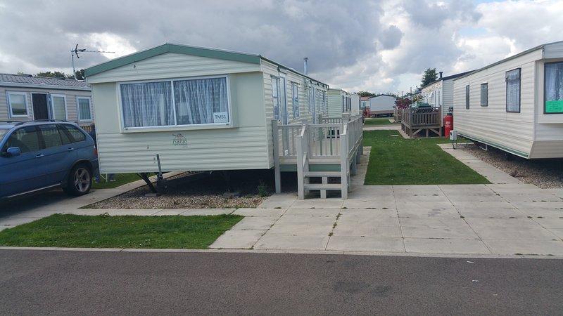 8 Berth caravan 3 bedrooms ref tm51, casa vacanza a Chapel St. Leonards