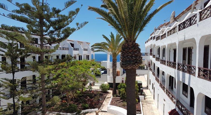 Apartment Amarilla Bay, holiday rental in Costa del Silencio