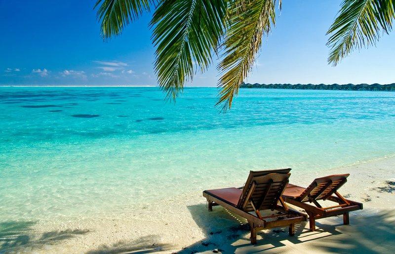 LUXURY RENTALS~ Sand Castle Beach House~Heart of Naples, close to beaches., location de vacances à Naples