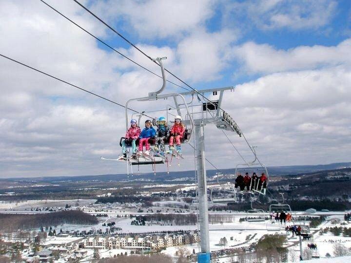 Ver en Boyne Mountain Ski Area sólo unas pocas millas de la desembarques Condos