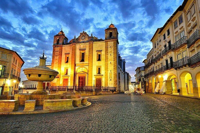 Évora Sweet Home - Casa de Charme Completa no Coração do Centro Histórico, vacation rental in Evora