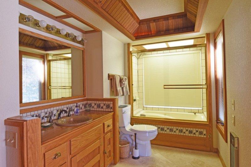 casa de banho principal Downstairs