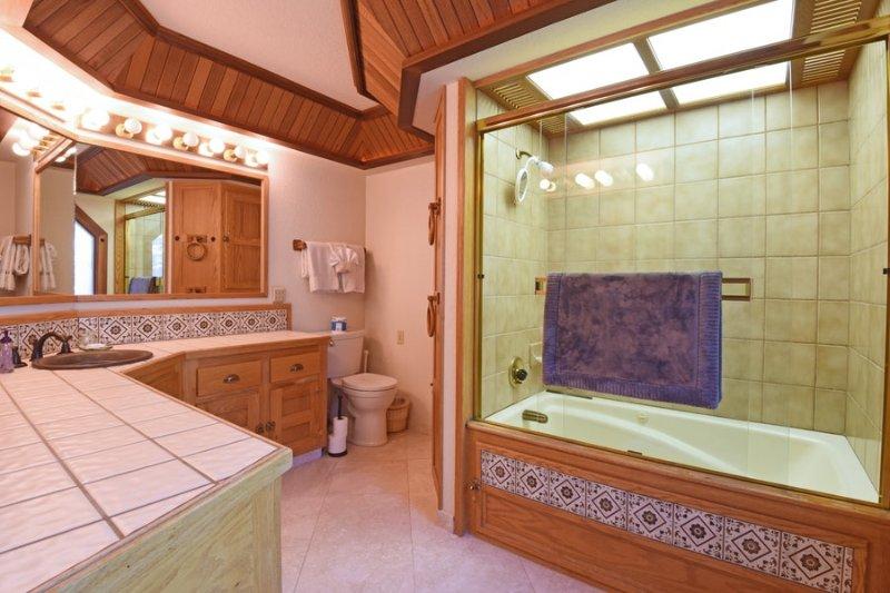 casa de banho principal no andar de cima