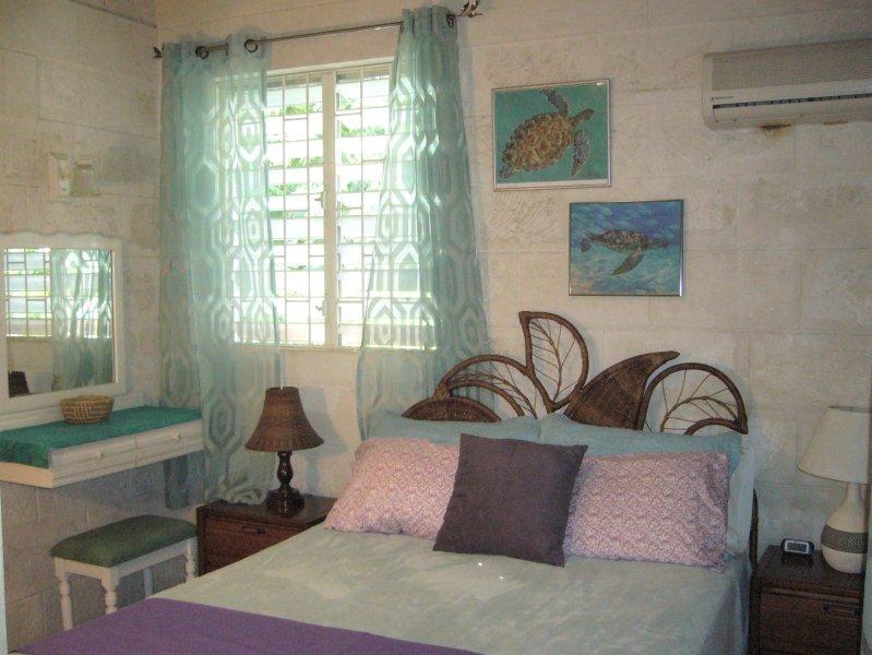 #1 Master Bedroom with Queen bed and En-suite Bath