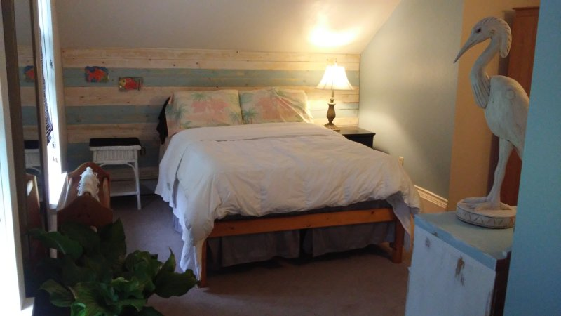Country Charm - 3, holiday rental in Coldwater