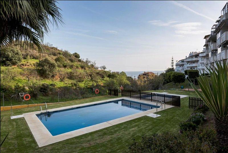 Great 3 Bedroom Apartment Near Sea, vakantiewoning in Rincon de la Victoria