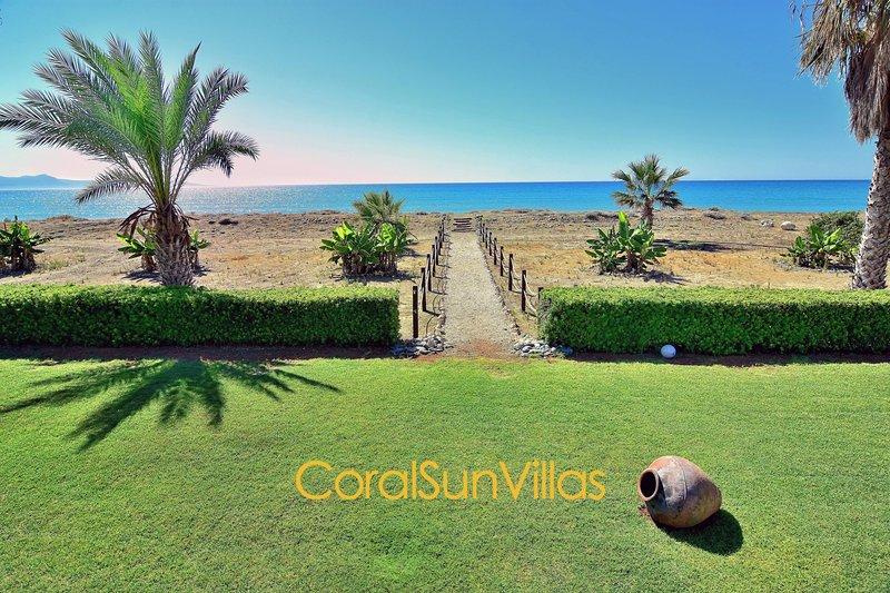 Beach Front - On the Sandy Beach (30m) - Impressive Villa, Complete Privacy, holiday rental in Nea Dimmata