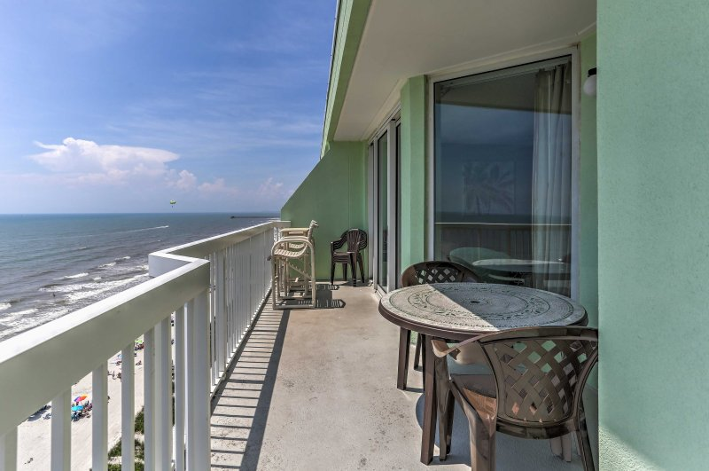 Explore the Carolina coast when you book this 3-bed vacation rental!