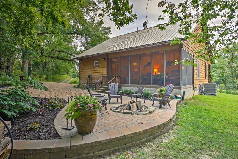 Beautiful Makanda Cabin in Shawnee National Forest, holiday rental in Cobden