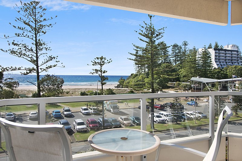 Kooringal Unit 10 - Straight across the road from Twin Towns Services Club, vacation rental in Tumbulgum