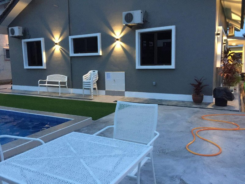 Melaka Beach Villa ( Type A ) Has Private Yard and Parking