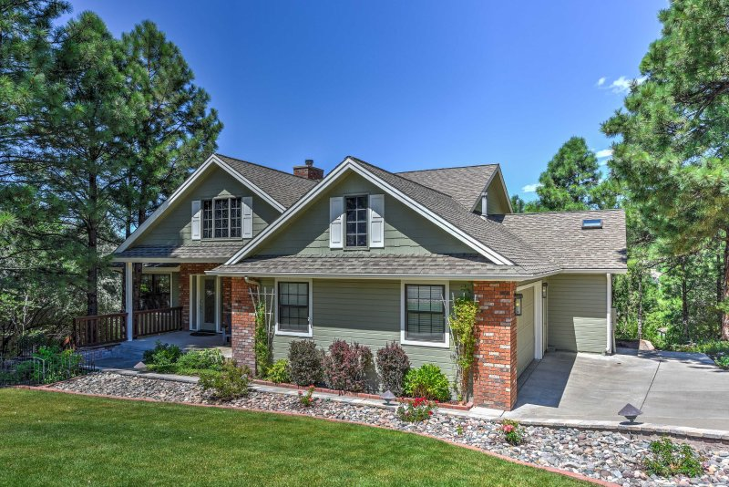 With million dollar views and a prime location, this Flagstaff home is sure to leaving you wanting more!